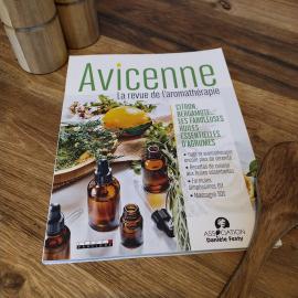 Avicenne, LA revue dédiée à l'aromathérapie 🌿 Le premier numéro est déjà disponible, et en prime un bel article sur @lueurdusudfrance !  @avicenne_mag  @editionsleduc